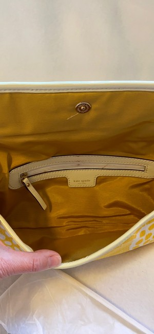 kate-spade-bloomington-mirra-yellow-and-white-canvas-clutch-4-0-650-650