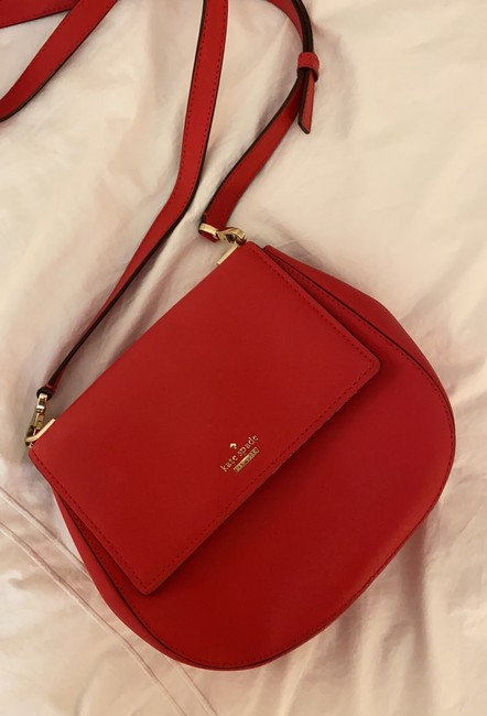 kate-spade-cameron-street-byrdie-rooster-red-crosshatched-leather-cross-body-bag-1-2-650-650