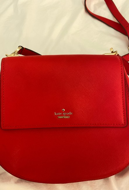kate-spade-cameron-street-byrdie-rooster-red-crosshatched-leather-cross-body-bag-7-2-650-650