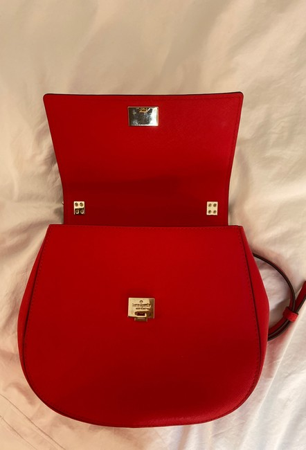 kate-spade-cameron-street-byrdie-rooster-red-crosshatched-leather-cross-body-bag-8-2-650-650
