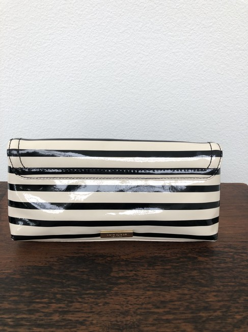 kate-spade-chelsea-park-small-black-and-off-white-patent-leather-clutch-6-0-650-650