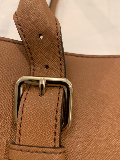 kate-spade-cognac-leather-exterior-with-fabric-lining-tote-2-0-650-650