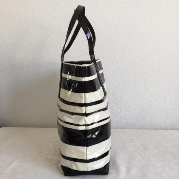 kate-spade-daycation-shopper-stripe-black-white-coated-canvas-tote-1-0-650-650