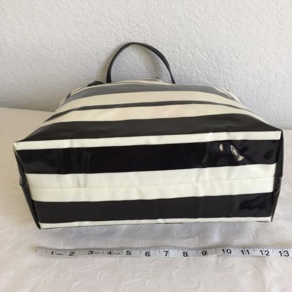 kate-spade-daycation-shopper-stripe-black-white-coated-canvas-tote-5-0-650-650
