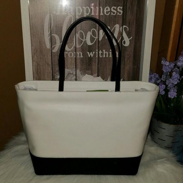 kate-spade-hot-sauce-remmi-extra-spicy-tote-3-0-650-650