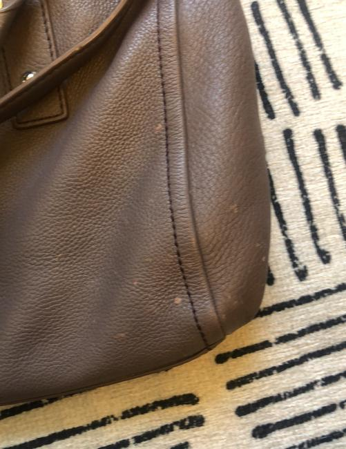 kate-spade-laptop-compatible-putty-leather-hobo-bag-5-0-650-650