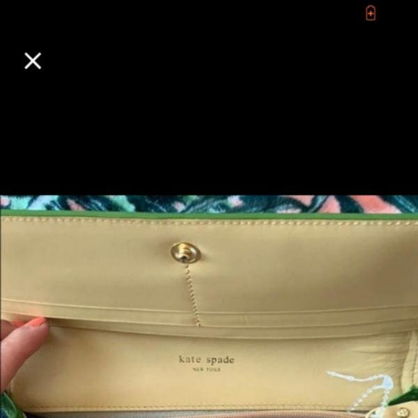 kate-spade-large-purse-and-wallet-green-leather-wristlet-2-0-650-650