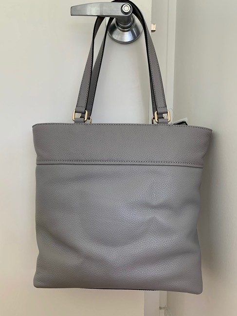 kate-spade-light-grey-leather-tote-2-0-650-650