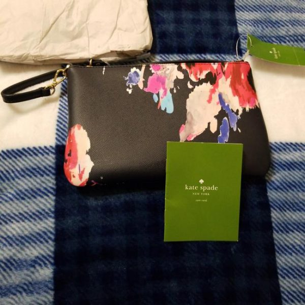 kate-spade-navy-blue-with-pink-and-blue-floral-designs-pvc-wristlet-4-0-650-650
