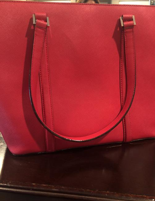 kate-spade-red-leather-tote-5-0-650-650