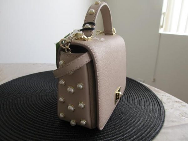 kate-spade-serrano-place-pearl-maisie-warm-beige-pebbled-leather-capital-jacquard-lining-cross-body-3-2-650-650
