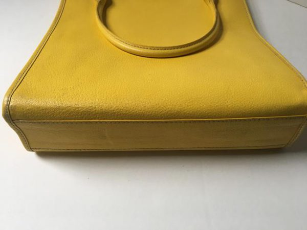 kate-spade-shopper-yellow-leather-tote-7-0-650-650