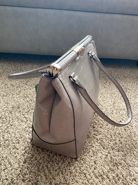 kate-spade-softtaupe-leather-tote-2-1-650-650