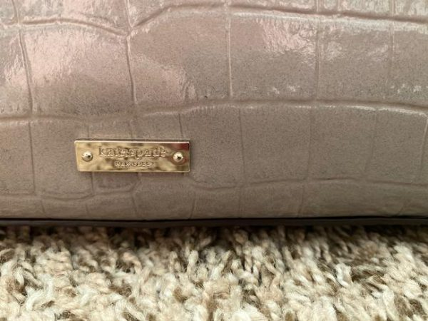 kate-spade-softtaupe-leather-tote-3-0-650-650